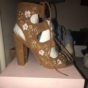 Floral brown sandal heels
